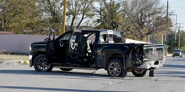 At least 14 people were killed, four of them police officers, after an armed group in a convoy of trucks stormed the town, in Coahuila state, prompting security forces to intervene, state Gov. Miguel Riquelme Solis said.