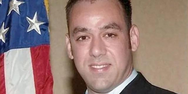 Agent ICE Jaime Zapata
