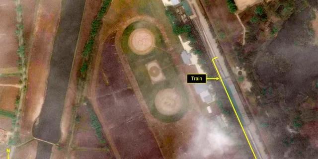 Ce mardi 21 avril 2020, une image satellite fournie par Maxar Technologies et annotée par 38 North, un site Web spécialisé dans les études sur la Corée du Nord, montre la Leadership Railway Station à Wonsan, en Corée du Nord.