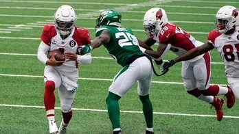Murray runs for TD, throws another, Cardinals rip 0-5 Jets