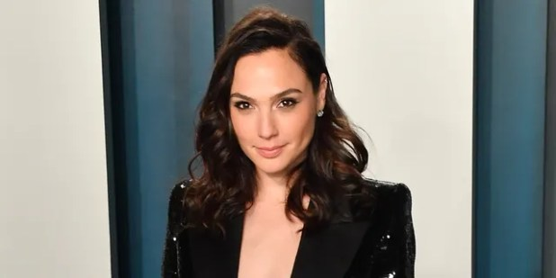 Gail Gadot arranged a video featuring celebrities singing John Lennon's 'Imagination'.  (Photo by Ellen Berezowski / Getty Images)