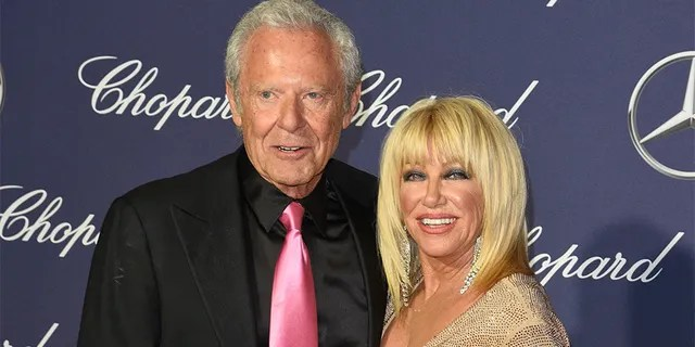Suzanne Somers loves to prepare meals with whole, fresh ingredients. According to the star, her husband Alan Hamel loves her booking.