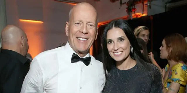 Bruce Willis and Demi Moore self-segregated with their daughters in the early 2020s amid a coronovirus epidemic.