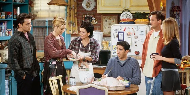 Kourtney Cox (center) starred Matt LeBlanc, Lisa Kudrow, David Schwimmer, Matthew Perry and Jennifer Aniston in 'Friends' season 10 (left to right).  (Photo via Getty Images by Paul Drinkwater / NBCU Photo Bank / NBCUnival)