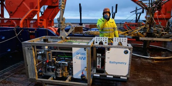 OFOBOS floor observation and bathymetry system aboard the Polarstern research vessel