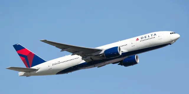 A woman gave birth to a baby in the middle of a Delta flight from Salt Lake City to Honolulu earlier this week.