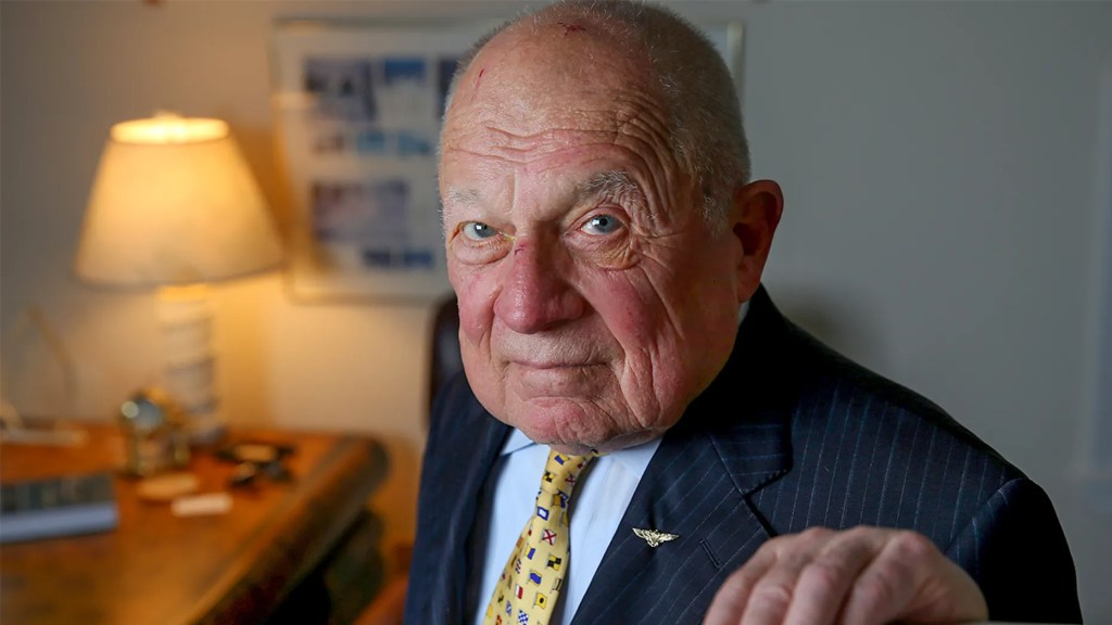 Famed criminal attorney F. Lee Bailey, who represented OJ Simpson, dead at age 87