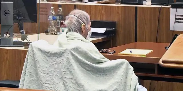 Robert Durst seen wrapped in blanket during trial on June 14, 2021. (Fox News pool)