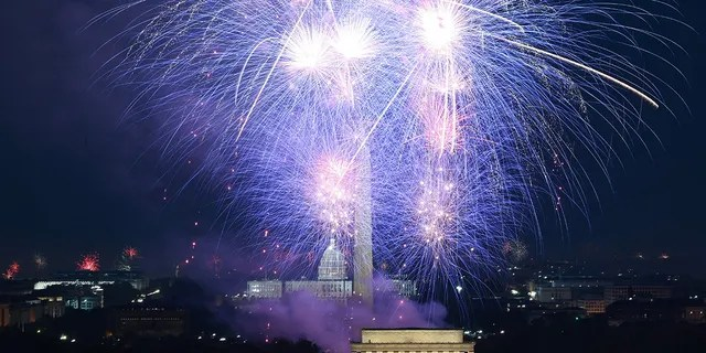 Fireworks illuminate the sky above the Lincoln Memorial on the National Mall during Independence Day celebrations in Washington, DC on July 4, 2021. (Getty Images)