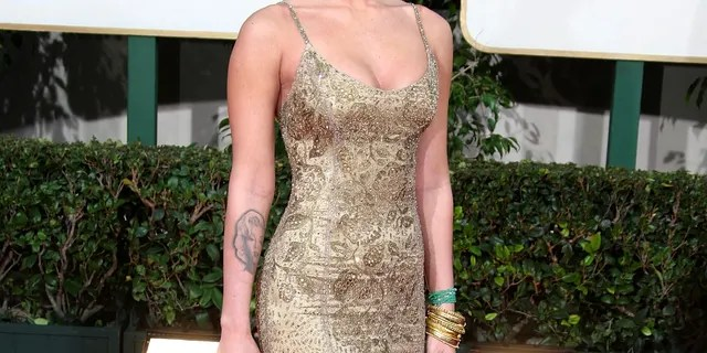 Megan Fox arrives at the 66th Annual Golden Globe Awards held at the Beverly Hilton Hotel on January 11, 2009 in Beverly Hills, Calif.