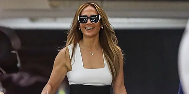 Jennifer Lopez has been house hunting in Los Angeles and its surrounding areas.