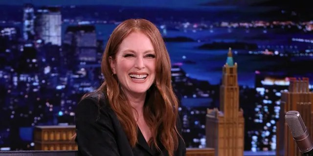 Julianne Moore made it clear she doesn't like when people say she's 'aging gracefully.'