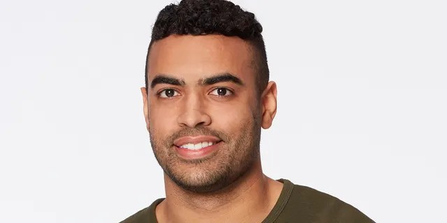 'The Bachelorette' contestant Justin Glaze apologized after past homophobic and racist tweets resurfaced.