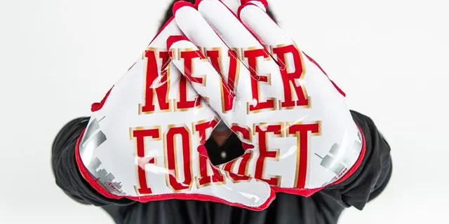Rutgers players will have the option to wear these gloves Saturday.