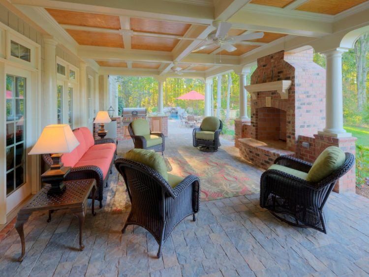 20 Beautiful Covered Patio Ideas on Enclosed Back Deck Ideas id=92307