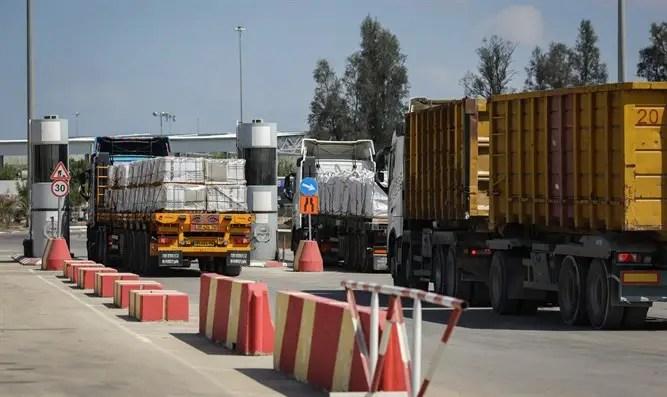 """Israel trajo materiales de construcción a Gaza: """"Vale la pena matar a un combatiente por nosotros"""" - Canal 7"""