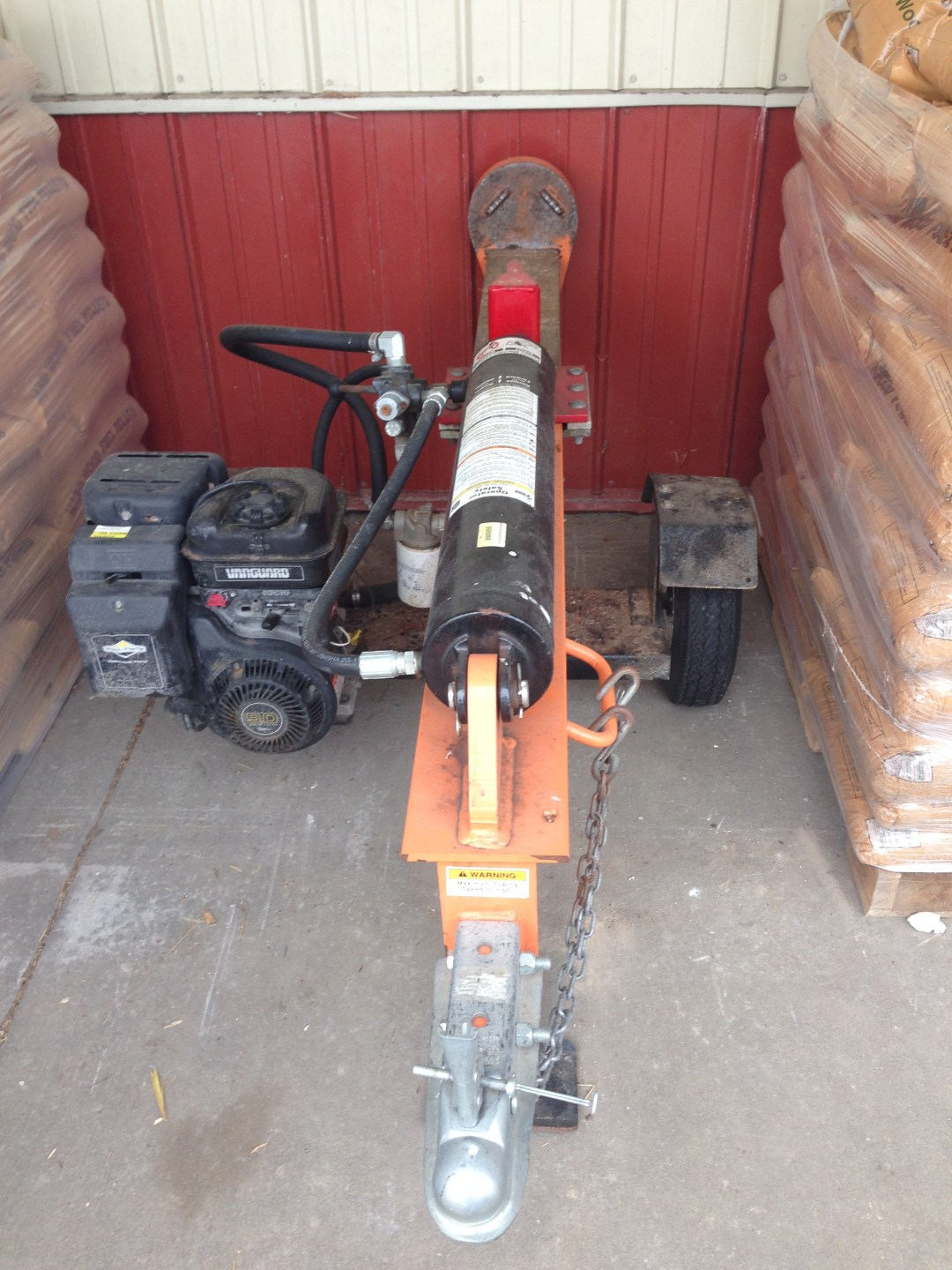 Towable Log Splitter 26 Ton Image
