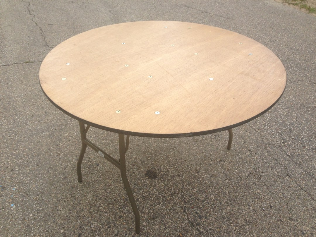 "Table Round 48"" Image"
