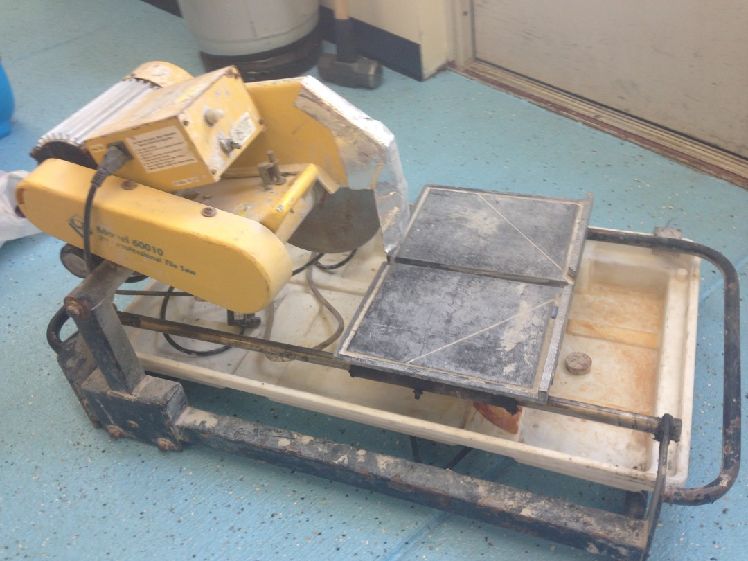 "Tile Saw w/stand 10"" Image"