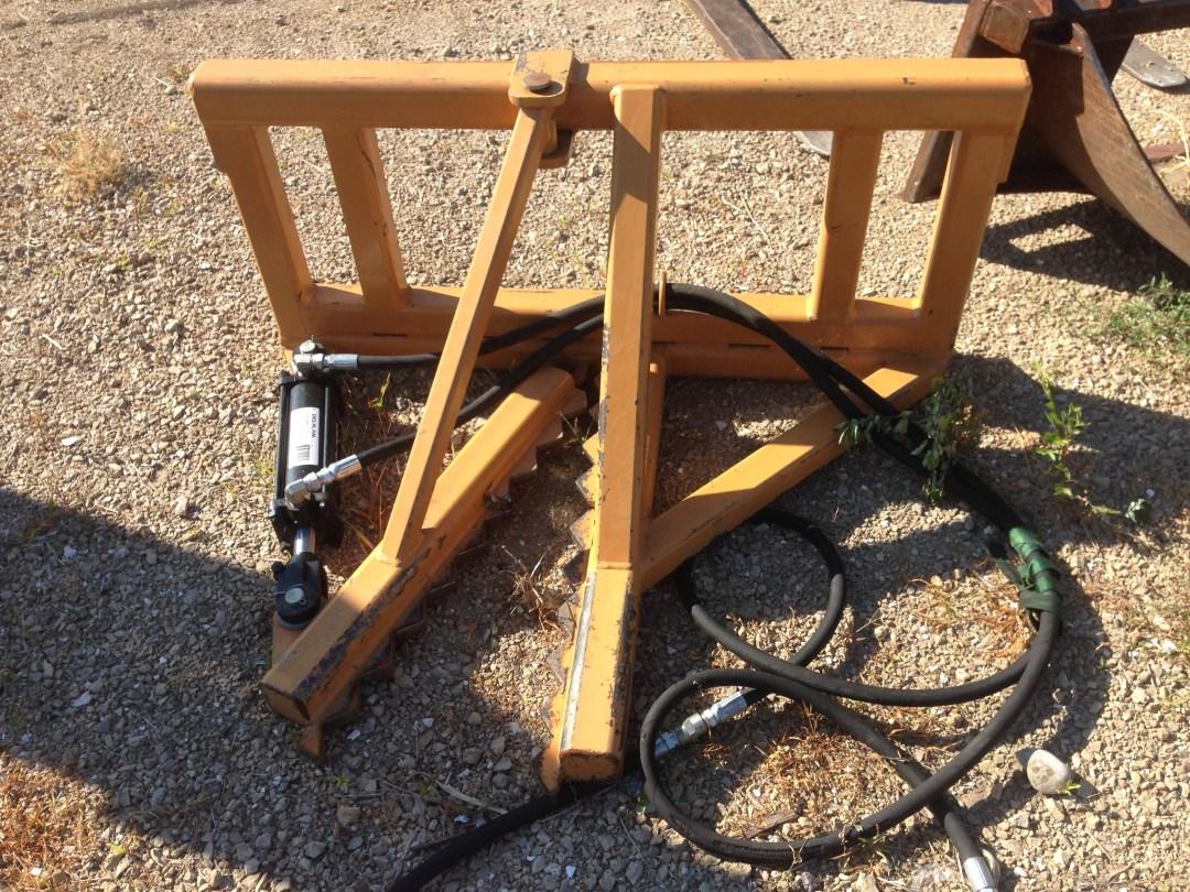 Bobcat Tree Puller Image