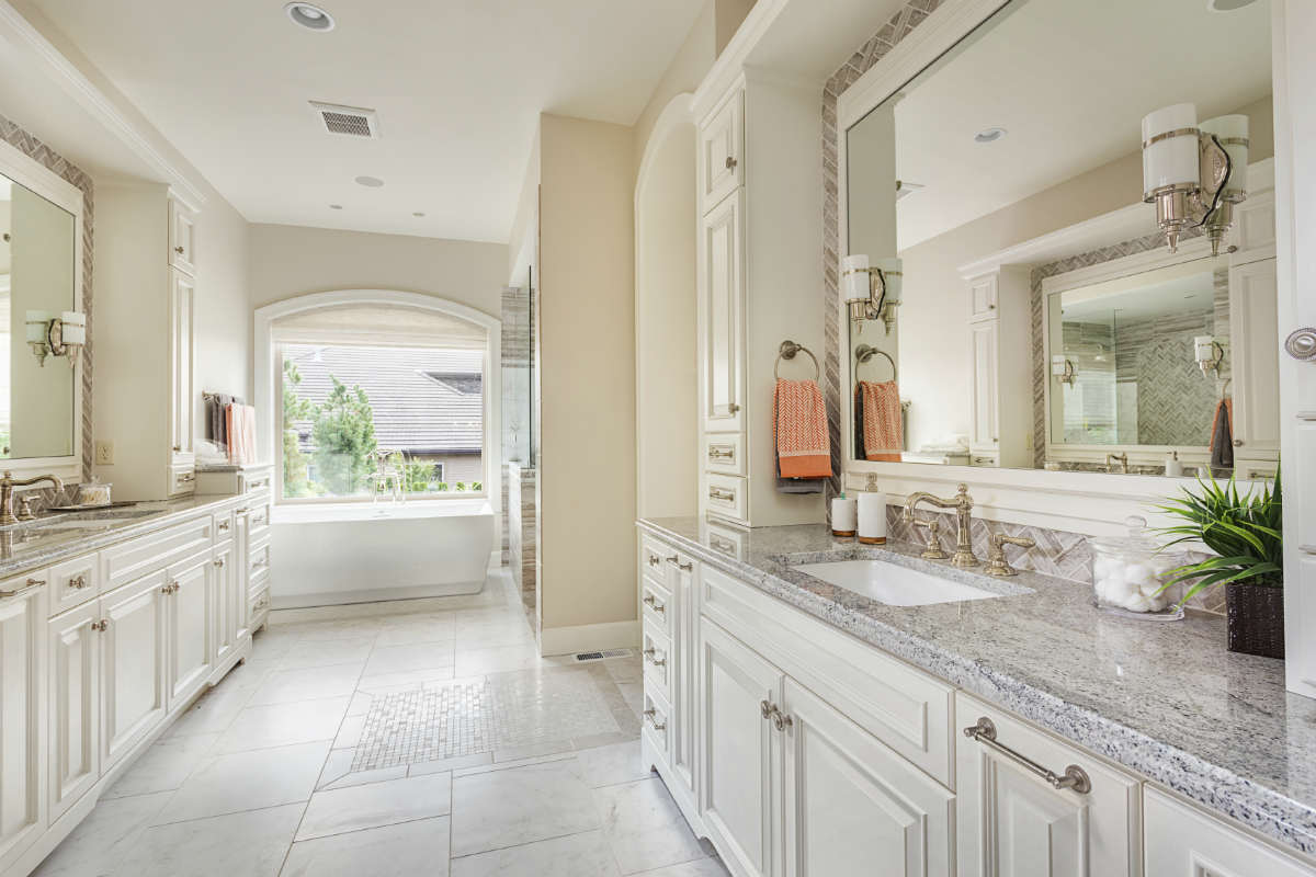 Essential Elements When Remodeling Your Master Bathroom on Master Bathroom Remodel Ideas  id=61735