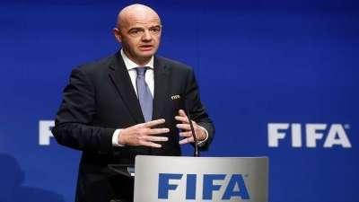 سلا..رئيس الفيفا ينتقد ضعف التسير و الحكامة داخل كرة القدم الأفريقية