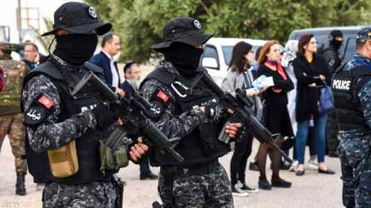 تونس: مقتل ضابط و3 إرهابيين في تبادل لإطلاق النار بالقصرين