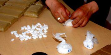 توقيف شخص يشتبه في تورطه في قضية تتعلق بحيازة وترويج مخدر الهيروين