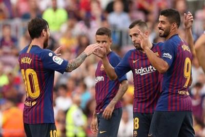"""برشلونة يكتسح إشبيلية ويرتقي لوصافة """"الليغا"""""""
