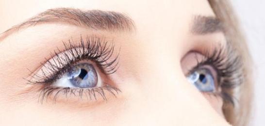 ستة طرق طبيعية لاستعادة البصر سريعا