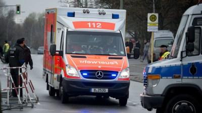 ألمانيا .. 12 جريحا في حادث دهس سيارة لحشد في إيسن