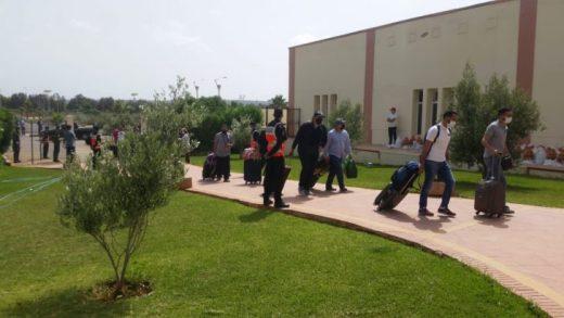 العائدين من الجزائر