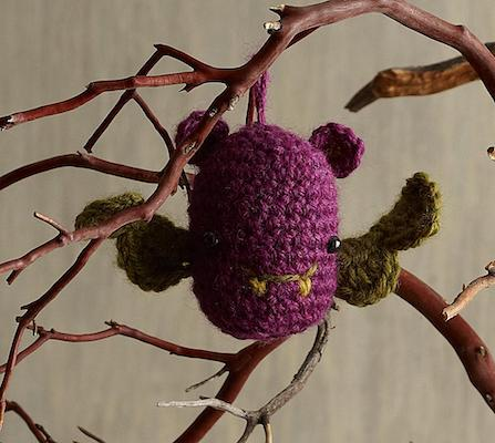 Halloween Bat Ornament free halloween crochet patterns