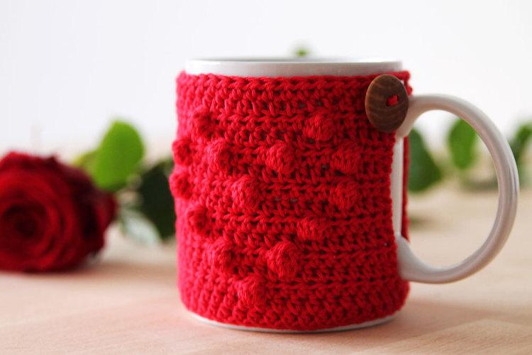 Pattern: I Heart U Mug Cozy by Kirsten Ballering