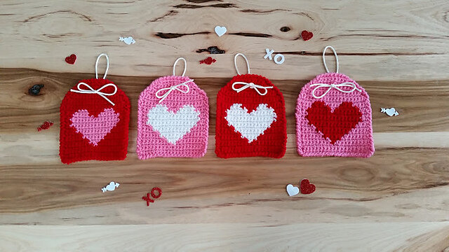 Pattern: Heart Hanging Tags from Highland Hickory Designs