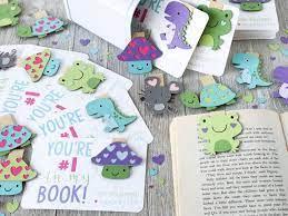 बुक के पेज को मार्क करने के लिए एक बुकमार्क कैसे बनाएँ – 5