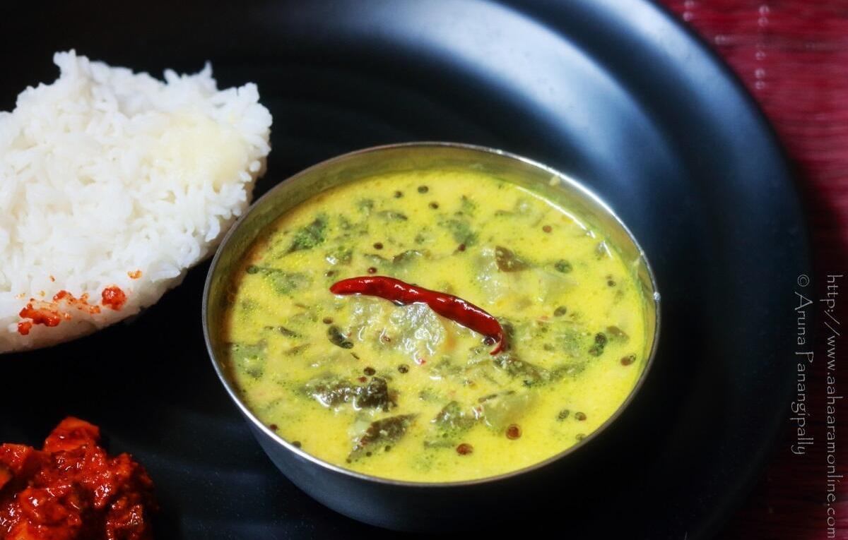 Bachali Kura Pulusu served with rice and mango pickle