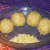 Chimmili (Nuvvula Undalu, Sesame and Jaggery Balls, Til aur Gur ke Laddoo)