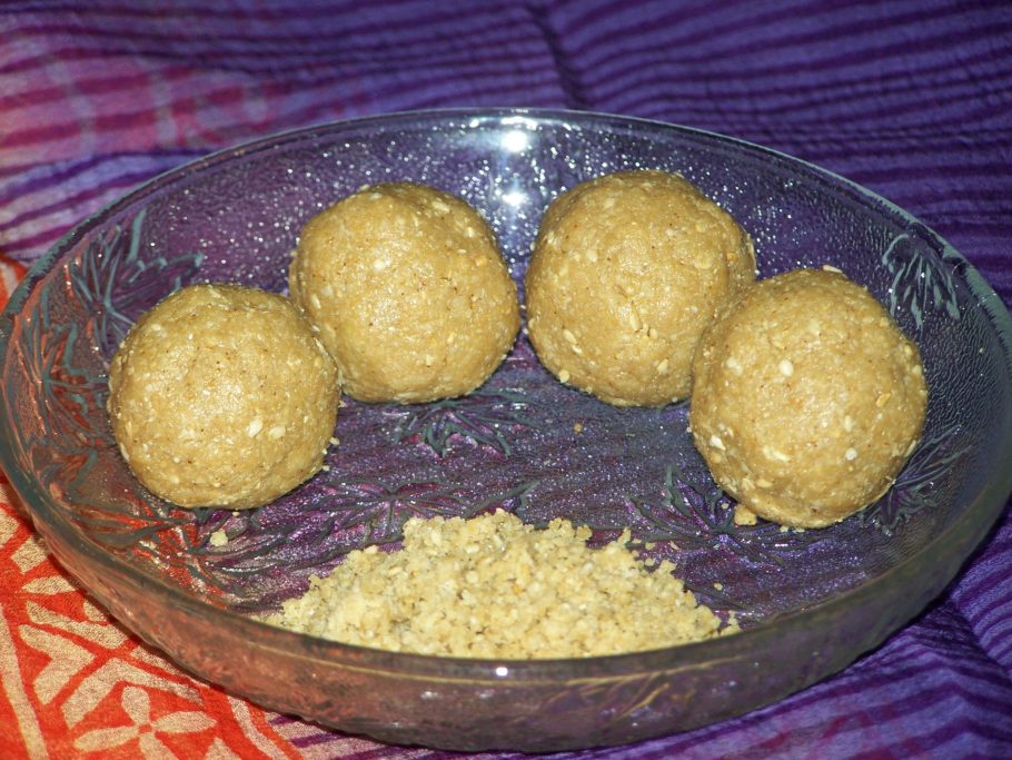 Chimmili, Sesame and Jaggery Laddoos, Nuvvula Undalu
