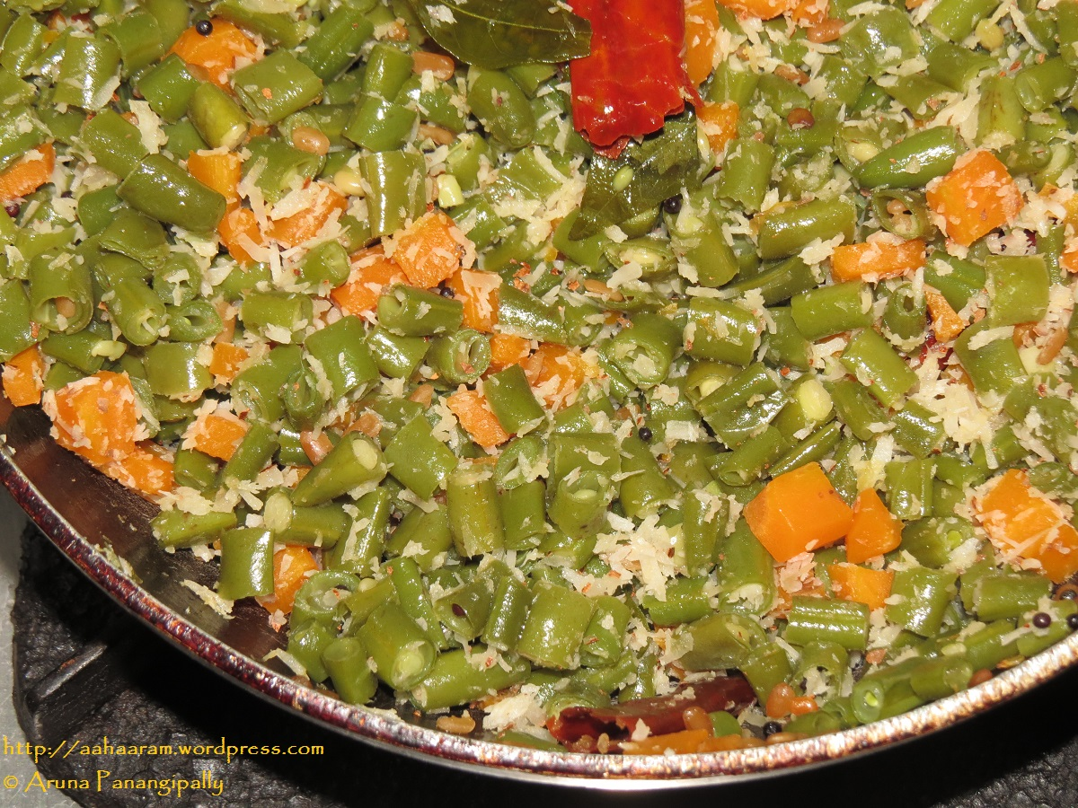 French Beans Carrot Poriyal | French Beans Carrot Thoran from Tamil Nadu and Kerala