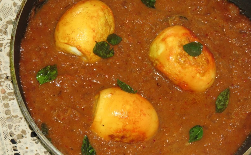 Kodi Guddu Pulusu – Andhra Style Egg Curry with Tamarind – For Iftar at Ramzan or Ramadan