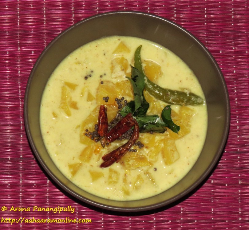 Pineapple Pachadi or Pineapple Kichadi - Kerala Onam Sadya Recipe - Kerala Onam Sadya Recipe
