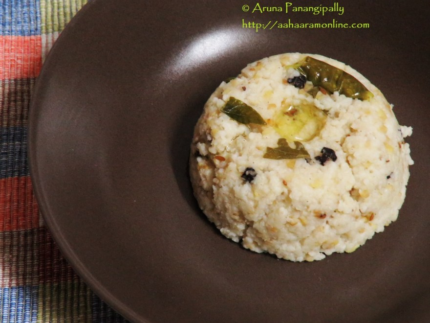 This is the picture of Pongal made with Barnyard Millet, known as Kuthiraivali Pongal in Tamil, Udalu or Kodisama Katte Pongali in Telugu