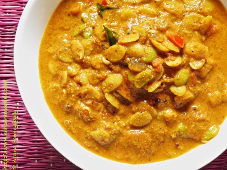 Hitikida Avarekalu Saaru: Surti Papdi in a spicy gravy