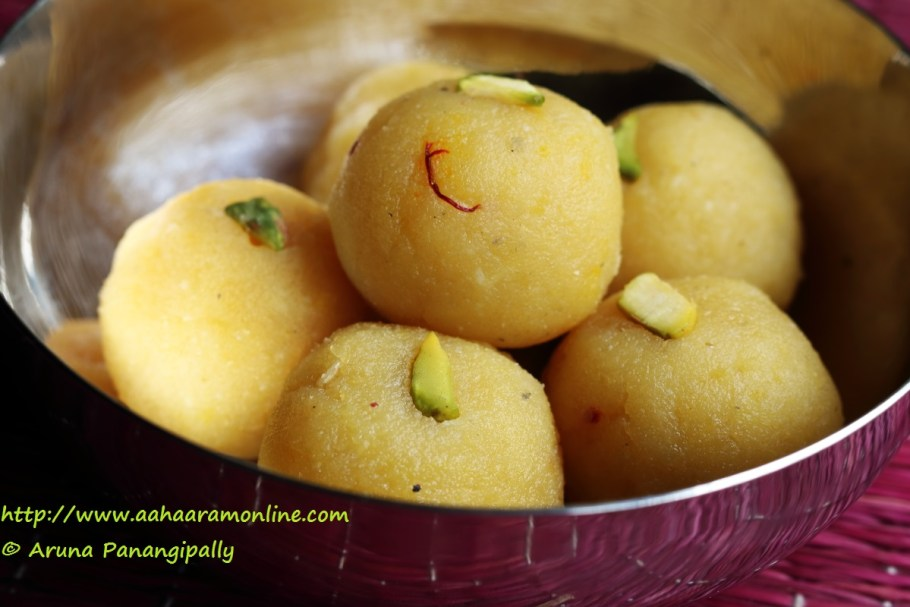 Bengali Moong Dal Laddu | Muger Mithai