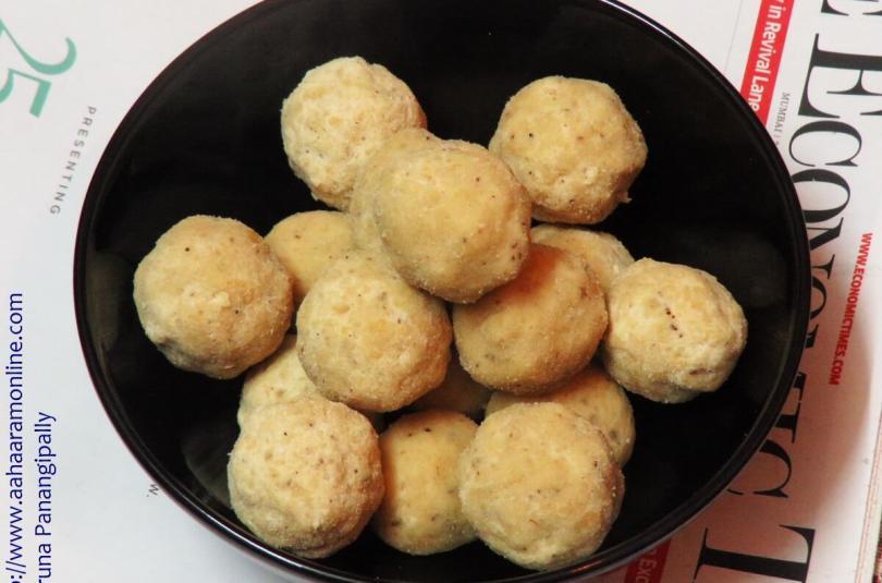 Kesa Mithoi | Rice Flour Laddu | Chawal ke Laddu from Assam