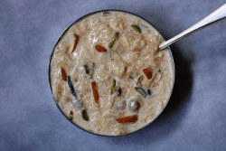 Sheer_Khurma | Milk Pudding with Dates and Vermicelli for Eid