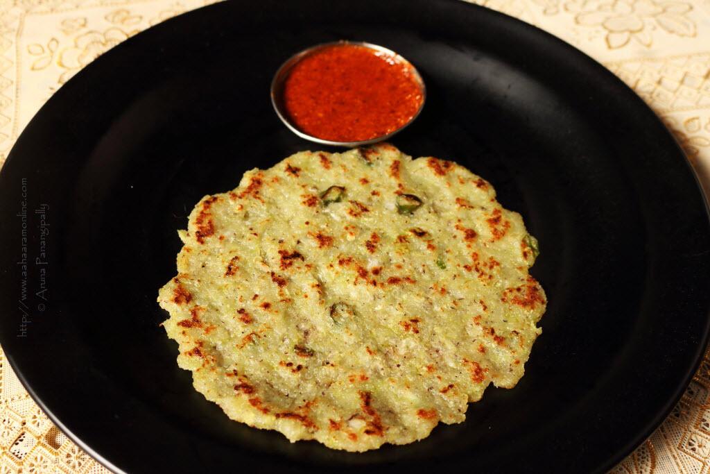 Taushe Bhakri | Cucumber Rotti served with Molaga Podi