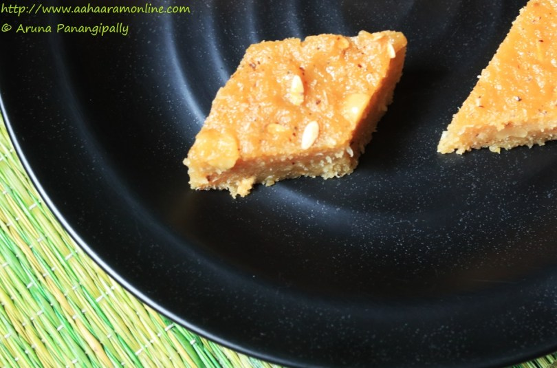Kakdichi Tavsali | Tausali: An Eggless Steamed Cucumber Cake from Goa