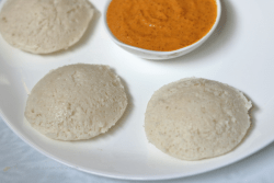 Idli with Rice Rava